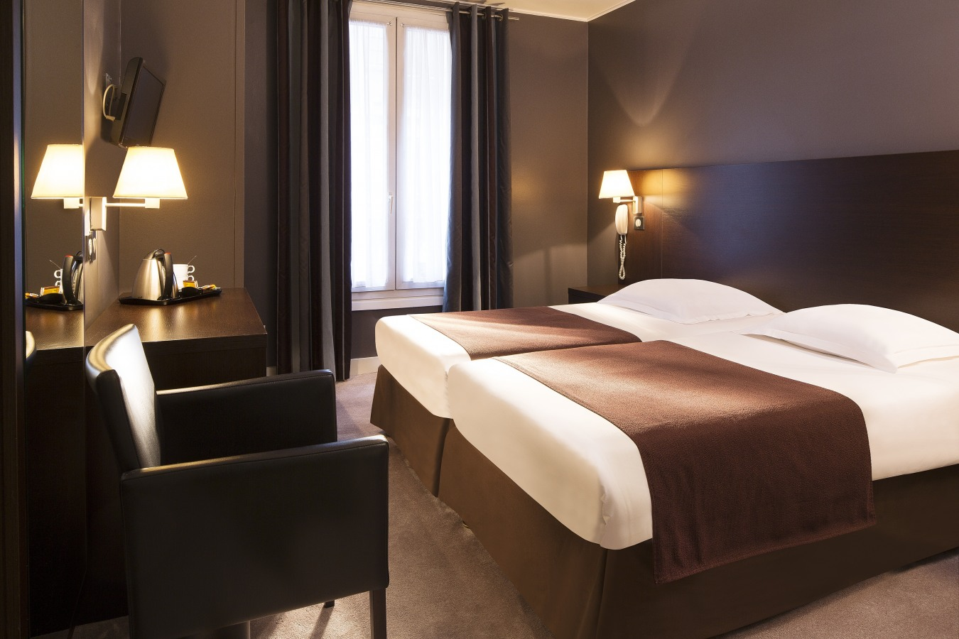 Contact hotel sophie germain for Contact hotel